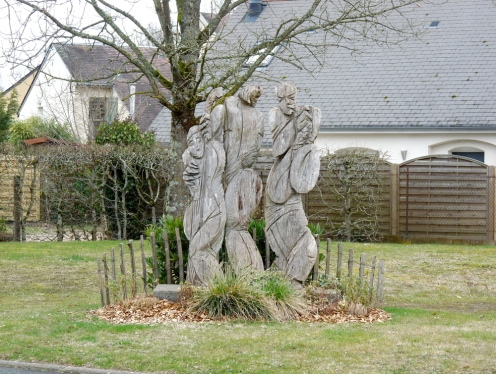 Sculpture-Eva-Roucka-à-Montlouis-1
